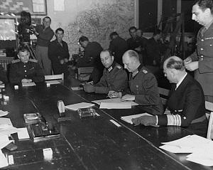 capitulation-reims-1945-300x239.jpg